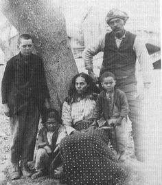 L-R: Opitchipan Major (Mattaponi/Pamunkey), Powhatan Major (Mattaponi/Pamunkey), Sarah Langston Major (Pamunkey), Elston Opechancanough Major (Mattaponi/Pamunkey), Lee Major (Mattaponi) - circa 1900
