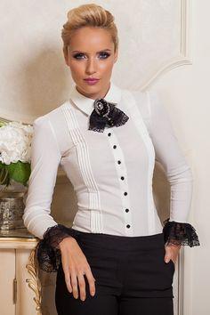 £: Camicia bianca - collo a camicia con camelia e pizzo - bottoni neri - polsini rifiniti in pizzo - MAGLIE & CAMICIE - Abbigliamento » Moda Mania