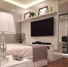 Bom dia bom este quarto de casal clean e belo by Mariane e Marilda Baptista. Amei Me encontre também no @pontodecor  HI Snap:  hi.homeidea  http://ift.tt/23aANCi #bloghomeidea #olioliteam #arquitetura #ambiente #archdecor #archdesign #hi #cozinha #homestyle #home #homedecor #pontodecor #homedesign #photooftheday #love #interiordesign #interiores  #picoftheday #decoration #world  #lovedecor #architecture #archlovers #inspiration #project #regram #canalolioli #quartocasal
