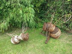 willow sculpture bee - Google Search