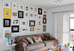 Apenas no dia 12 de junho, troque todas as fotos da parede da sua casa por bons momentos vividos pelo casal. Decoração assinada pela arquiteta Andrea Murao