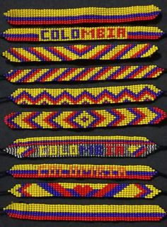 Pulseras en telar Loom Bracelet Patterns, Bead Loom Patterns, Loom Bracelets, Beading Patterns, Bead Jewellery, Seed Bead Earrings, Loom Beading, Manila, Beads