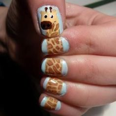 Giraffe nails!
