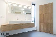 Badkamer met Massief Eiken maatwerk meubels, Het Badhuys | Het Badhuys