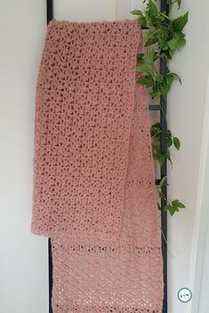 Crochet Shawls And Wraps, Crochet Scarves, Crochet Hats, Diy Crochet, Crochet Top, Chrochet, Mittens, Needlework, Free Pattern