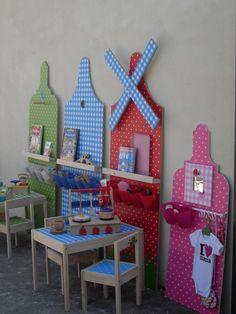 XL Hollands Huisje: van karton op prikbord? Aankleding klaslokaal.