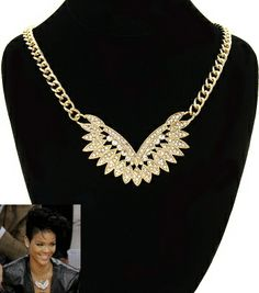 Winged Pendant Necklace / PrissyBliss