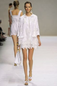 Dolce & Gabbana Spring 2011 Ready-to-Wear Collection Slideshow on Style.com
