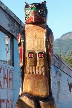 Hope British Columbia: Muskwa Totem by Karen Morton's Pics, via Flickr. www.HopeBC.ca Chainsaw Carvings, Wood Carvings, Tiki Totem, British Columbia, Woodworking, Art, Art Background, Wood Sculpture, Wood Carving