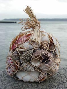 BATHROOM ACCESSORIES  NAUTICAL / BEACH THEMED SHELLS-SEA SHELLS NET  SHELL BAG £ 5.99