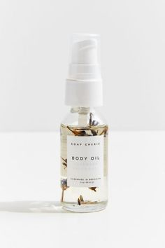 Skincare Packaging, Cosmetic Packaging, Beauty Packaging, Perfume Packaging, Packaging Ideas, Glass Spray Bottle, Oil Bottle, Apricot Oil, Natural Cosmetics