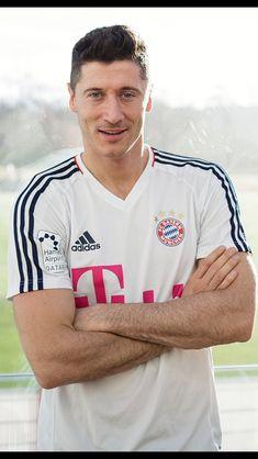 Robert Lewandowski, Fc Bayern Munich, Sports Celebrities, Football Boys, Boyfriend Goals, Soccer Players, Monaco, Studs, Anna