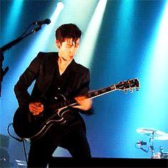 Arctic Monkeys on David Letterman tonight! Alex Turner, Monkey Gif, Alex Arctic Monkeys, The Last Shadow Puppets, Papi, Music Bands, Celebrity Crush, Pretty Boys, Good Music