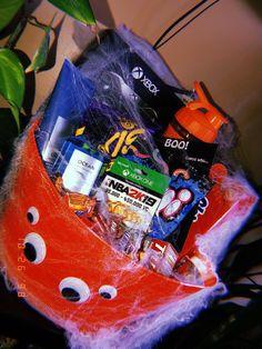 The Best Ideas for Boyfriend Gift Basket Ideas - cactus Cute Boyfriend Gifts, Boyfriend Gift Basket, Bf Gifts, Boyfriend Anniversary Gifts, Cute Gifts, Boyfriend Boyfriend, Diy Halloween Basket, Diy Halloween Gifts, Halloween Kids