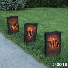 Trick-Or-Treat Outdoor Luminaries Halloween Decorations Luminaria lights up the most frightening night of the year! Bright Halloween ideas, these yard decorations are great for your front porch, driveway and … Halloween School Treats, Halloween Night, Easy Halloween, Vintage Halloween, Halloween 2020, Homemade Halloween, Halloween Stuff, Halloween Yard Art, Halloween Couples