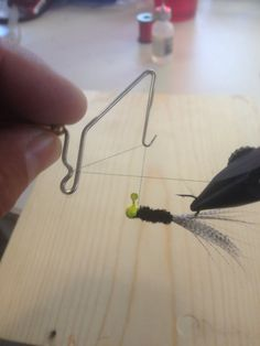 This is how the whip finisher is placed. Like a number You can also tie half hitches to secure this. Fishing Jig, Crappie Fishing, Fishing Lures, Fishing Rods, Crappie Jigs, Fly Tying, Things That Bounce, Number, Tie