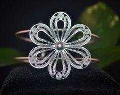 Güzel gümüş çiçek bilezik