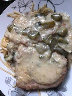 Savanyú uborkás sertéskaraj Food And Drink, Meat, Chicken, Dinner, Dining, Food Dinners, Cubs, Dinners