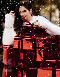 """Love Actually"" Amanda Wellsh for Vogue Spain December 2015"