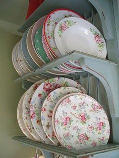 I am enchanted by the flowery dishes for some reason.