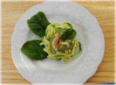 Spaghetti di zucchine in crema di spinaci, funghi e anacardi | Vegan blog - Ricette Vegan - Vegane - Cruelty Free