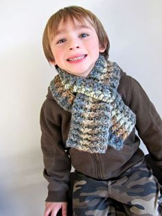 Crochet Scarfs Two weeks ago, Rowan decided he wanted a scarf. Not one of the multiple scarves already in our cold weather gear collection. A new scarf. Crochet Kids Scarf, Crochet Toddler, Chunky Crochet, Crochet For Boys, Crochet Scarves, Crochet Shawl, Crochet Clothes, Crochet Baby, Free Crochet