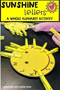 Looking for alphabet activities for your preschool or kindergarten students? This alphabet activity is for you! Learn to recognize the alphabet while strengthening fine motor skills. Click through to get your FREE printable and play today! #preschool #letteroftheweek #learnthroughplay #kindergarten #finemotor