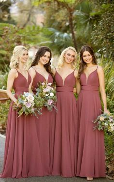 Sorella Vita Bridesmaid Dresses This formal bridesmaid dress from Sorella Vita is a total stunner! A plunging, slightly curved V-neckline is feminine and figure-flattering—complete with an illusion tu Sorella Vita Bridesmaid Dresses, Formal Bridesmaids Dresses, Bridesmaid Dress Colors, Wedding Bridesmaids, Cute Bridesmaid Dresses, Bridesmade Dresses, Grecian Bridesmaid Dress, Mint Green Bridesmaids, Formal Dresses