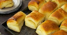 Butter in the middle, butter on top, and tender through and through — what's not to love? Save this for Thanksgiving now! Parker House Rolls Recipe - a King Arthur Flour Flour Recipes, Bread Recipes, Cooking Recipes, Galette Frangipane, Buttery Rolls, Parker House Rolls, Breakfast Desayunos, Baked Rolls, Boston Cream Pie