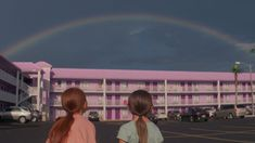 Review: In 'The Florida Project,' Enchantment in a Shabby Motel