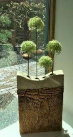 Perfect Cement Vases Make For Interesting Centerpiece Ideas 03 Concrete Bowl, Concrete Art, Concrete Design, Concrete Planters, Contemporary Planters, Modern Planters, Concrete Crafts, Concrete Projects, Diy Projects