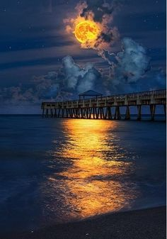 Juno Beach Pier, Florida, USA