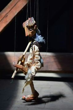 Burion Marionety