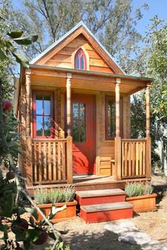 Tiny House Living---Jenn Griffith, this makes me think of you and Chris for some reason!