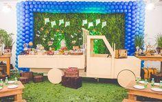 Mesa modelo caminhão  Cris festas infantis