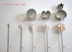 Gumpaste / Flower paste - Sweet pea tutorial - https://www.facebook.com/media/set/?set=a.665241970172093.1073741828.173529346010027=1