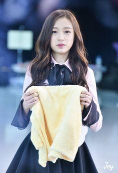 FY!APRIL ✨ South Korean Girls, Korean Girl Groups, Dsp Media, Korean Celebrities, Korean Beauty, Kpop Girls, Asia, Actors, Design