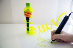 Renegade 3D pen uses plastic bottles and bags as filament