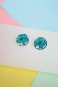 Stud earrings Blue and green circles-Floresse