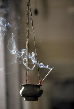 """Incense Incienso encens,apaise l""""esprit. Photo Incienso With this easy method, it only makes sense to create your own herbal incense at Magick, Witchcraft, Wiccan Spells, Magic Spells, Feng Shui, Witch Cottage, Meditation Space, Meditation Music, Witch Aesthetic"""