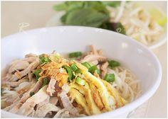 Bun Thang (Vermicelli Soup with Chicken, Egg, Pork)