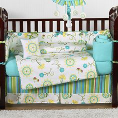I love this turquoise bedding! Want for baby girl in (far) future!!