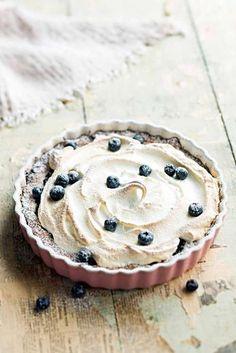 Mustikka-marenkitorttu | Reseptit | Anna.fi Finnish Recipes, Just Eat It, Sweet Pie, Pavlova, Something Sweet, I Love Food, Yummy Cakes, No Bake Cake, Sweet Tooth