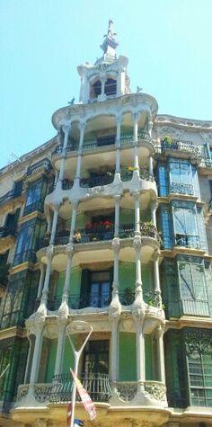 Calles de Barcelona (Laura Ladrón de Guevara, 2013)