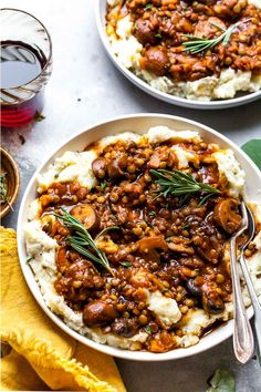 Recipes Vegetarian Lentil and Mushroom Stew over Potato-Parsnip Mash is a hearty vegetarian meal the whole family will love. Fiber-rich and decadently delicious, this recipe will satisfy even the most devout carnivores. Vegetarian Stew, Vegetarian Recipes Dinner, Vegan Dinners, Veggie Recipes, Whole Food Recipes, Cooking Recipes, Healthy Recipes, Vegetarian Mushroom Recipes, Healthy Vegetarian Meals