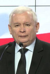 – Nie podoba mi się polityka epistolarna. Napięcia są nieuniknione ze względu na fatalny kształt polskiej konstytucji; trzeba z tego wyjść, co wymaga politycznej dojrzałości ze wszystkich stron – powiedział PAP prezes PiS Jarosław Kaczyński, odnosząc się do współpracy między prezydentem a szefem MON.