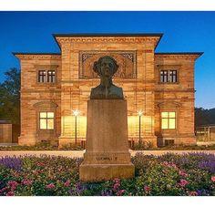 Haus Wahnfried - sicherlich das authentischste Richard Wagner Museum der Welt. Und vielleicht auch das beste. Villa Wahnfried - surely the most authentic Richard Wagner Museum in the world. And probably the best. : @katrin_taepke