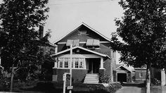 This Thorold Stone Road residence was purchased in 1918 by local businessman Edgar Swalm who, along with his Wife Matilda, offered rooms, meals and a bath to interested tourists. Now a Jiffy Lube, this site has been owned by Barry Allen since 1988. Niagara Falls Public Library. Canada 150.