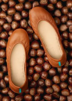 Take a step beyond basic in Chestnut Tieks! This timeless wardrobe staple will seamlessly carry you through every season.