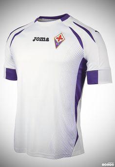 Colección oficial ACF Fiorentina 2014/2015:  Presentada la nueva colección de juego de ACF Fiorentina para la temporada 2014/2015 diseñada por Joma, como patrocinador técnico oficial. Está formada por tres equipaciones completas de campo, en manga corta y larga, y varios  modelos de portero. La colección se completa con la línea de entrenamiento y de casual wear.